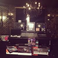 Paris Hilton Flaunts Her Beautiful Music Studio